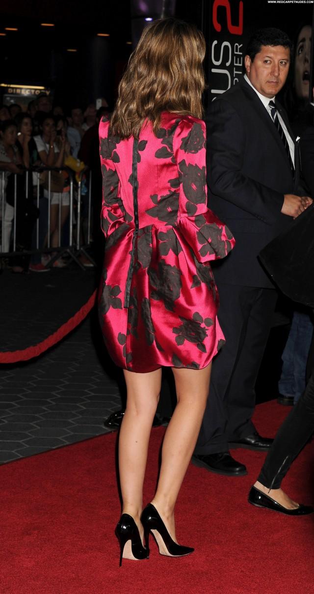 Rose Byrne Los Angeles High Resolution Hollywood Posing Hot Babe