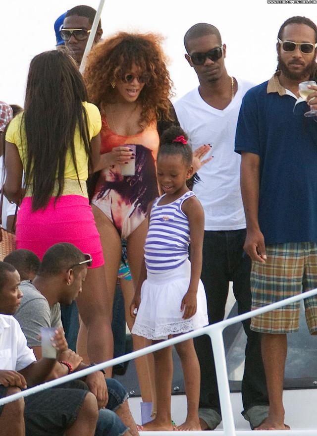 Rihanna Swimsuit Babe Beautiful High Resolution Posing Hot Friends