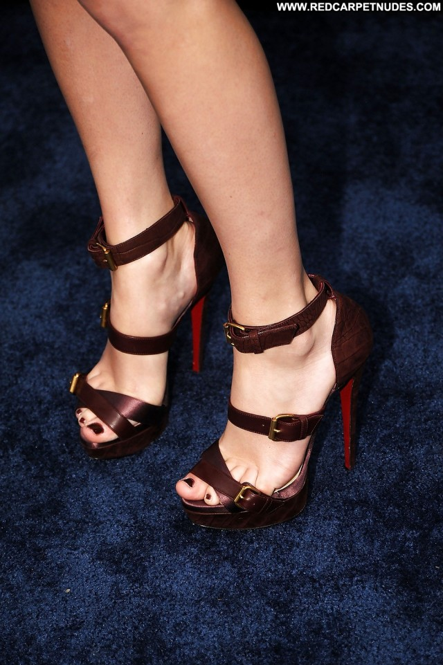 Taylor Swift Pictures Babe Feet Celebrity Close Up Famous Female Hd
