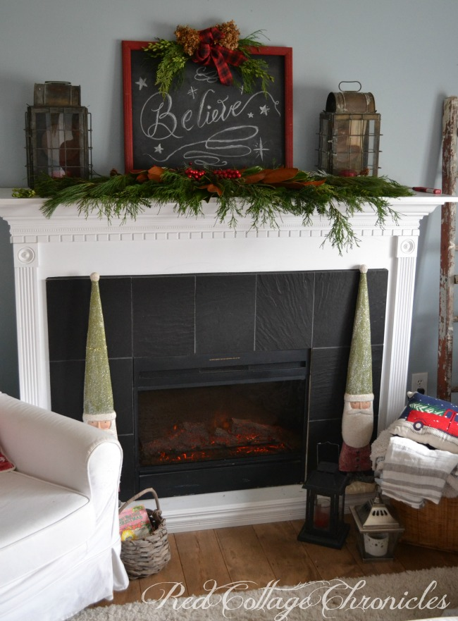 Christmas Mantel Sign DIY