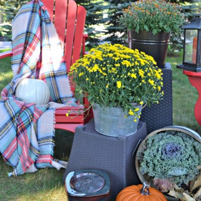 Outdoor Fall Decor When You Have No Porch