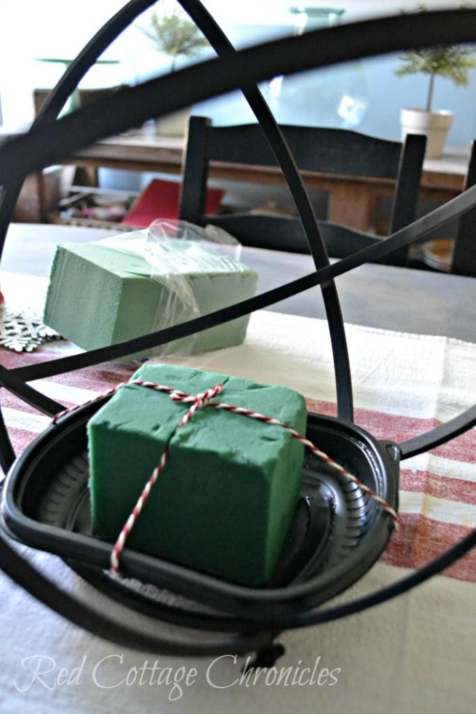 DIY Christmas Centrepiece