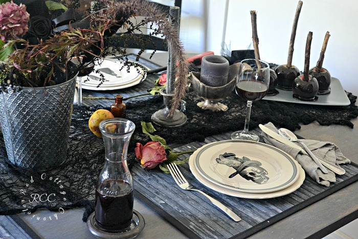 Elegantly Eerie Halloween tablescape