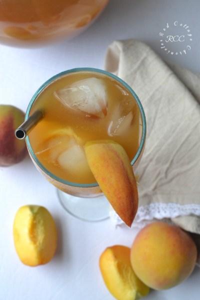 Peach Iced Tea Cocktail