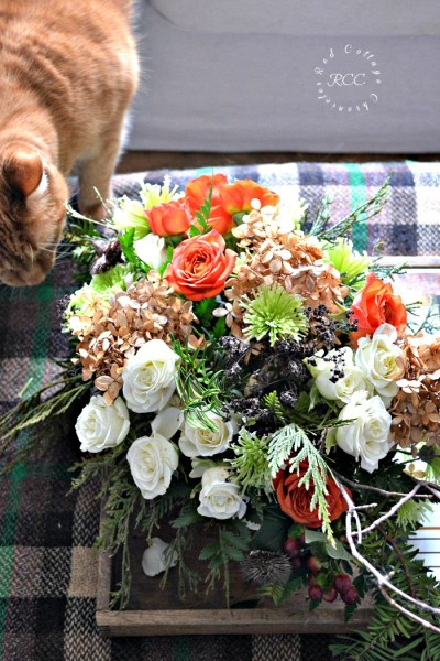 Market Flower Monday – $12 Coffee Table Arrangement