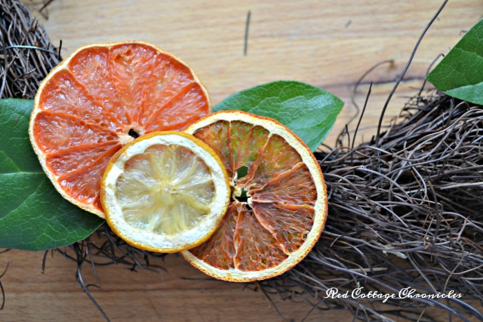 DIY dried citrus wreath