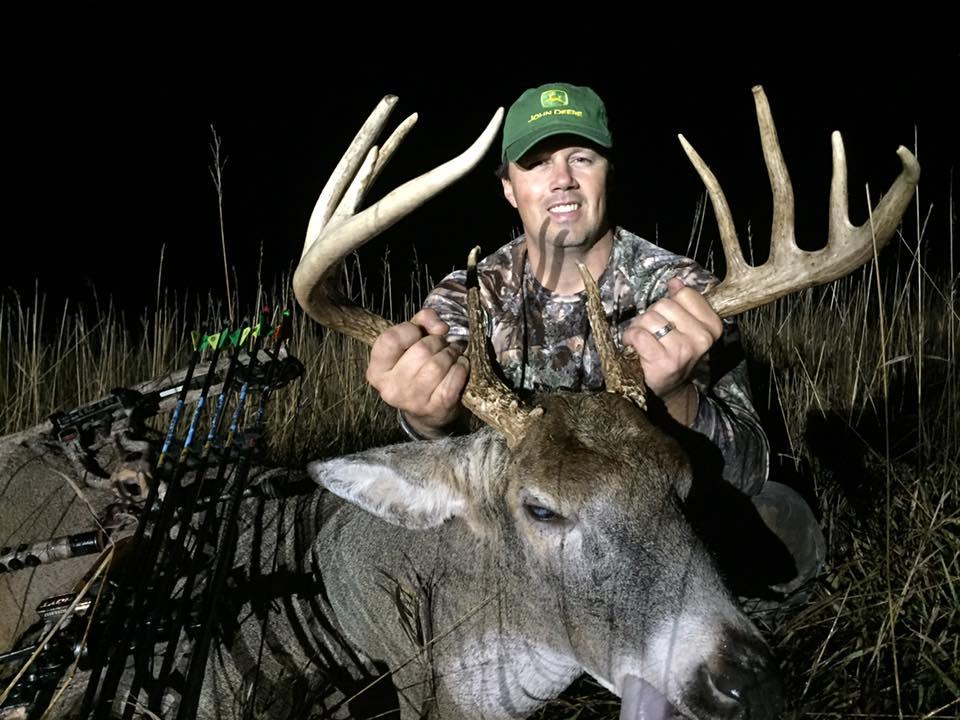 Kansas & Nebraska Whitetail Deer Hunts | Red Dog Outfitters