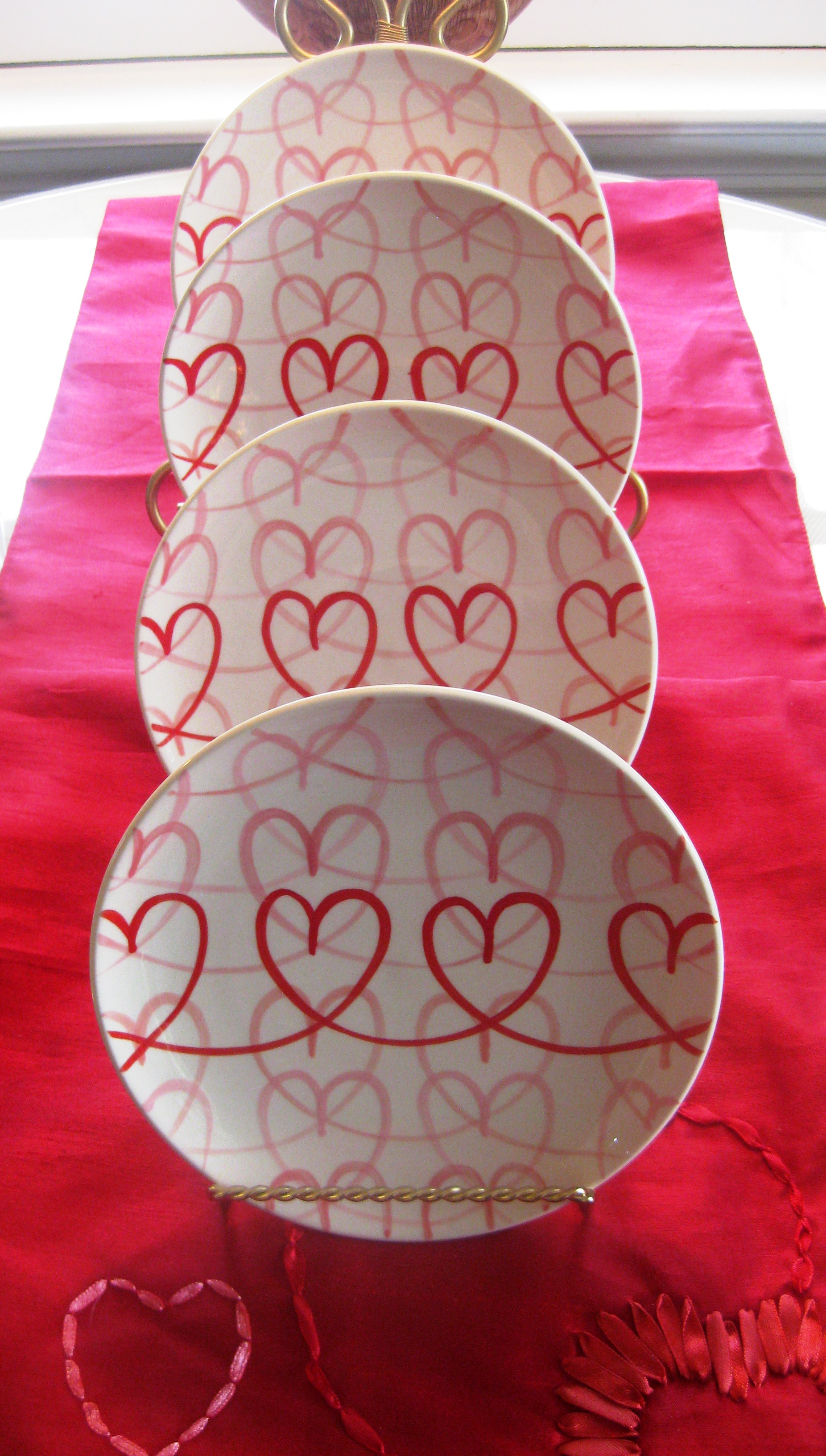 Romantic Accent Plates For Valentines Day Red Door
