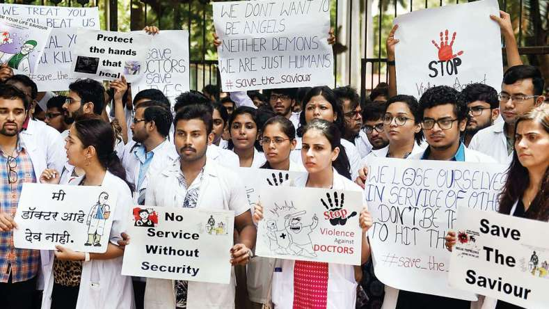 Madras High Court Condemns Mob Attack against Burial of Doctor