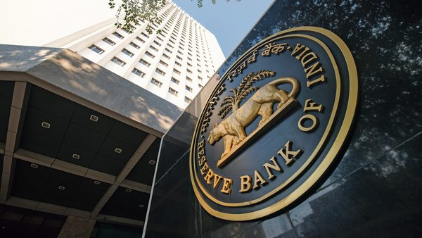 RBI restricts Banks to payout dividends