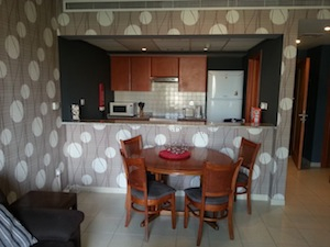 interior decor on the budget with wallpaper