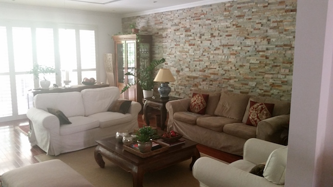 living room decor, stone wall, entry, decorate hallway, entrance, traditional arabic modern living, decor, consultation dubai