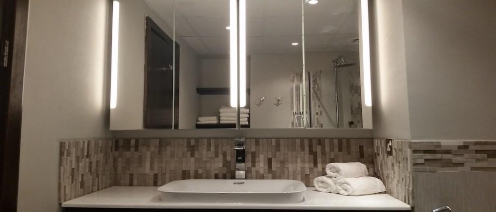 Interior designer and home stylist dubai, dubai home renovations in dubai marina, springs motorcity bathroom design, kitchen decor, home spa jacuzzihome styling, kids room interiors, bathroom lighting