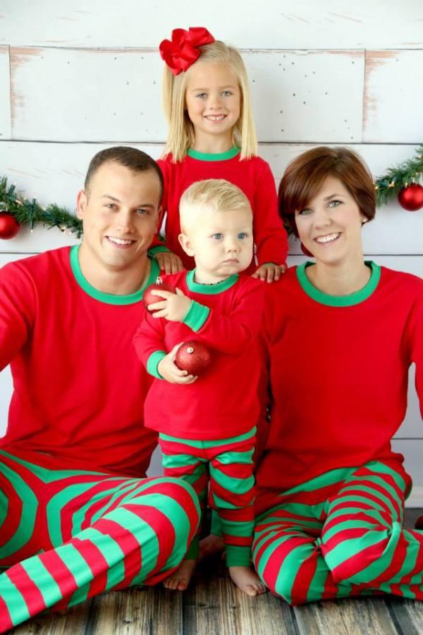 Christmas Family No Clothes