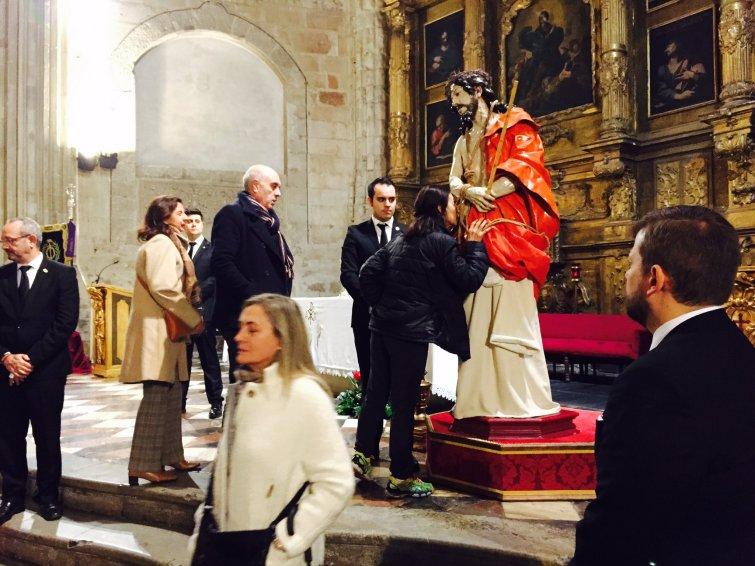 Besamanos a Ntro Padre Jesús de la Misericordia (Foto: Xuasús González)