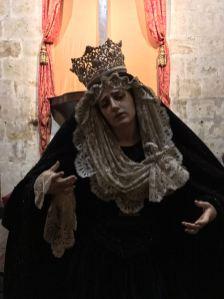 Nuestra Madre de la Divina Gracia ataviada para el Domingo de Ramos de 2017