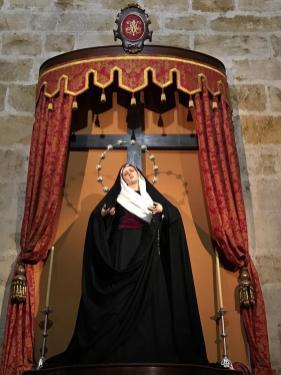 Nuestra Madre ataviada para la Exaltación de la Santa Cruz 2019