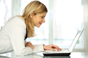 Un cliente altamente satisfecho puede aumentar la imagen de su empresa por medio de las redes sociales para que otras personas conozcan sus productos. Foto: tapconsultoria.com