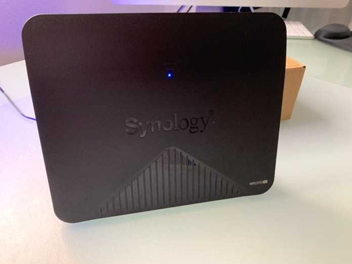 Caja Synology Router Mesh MR2200ac