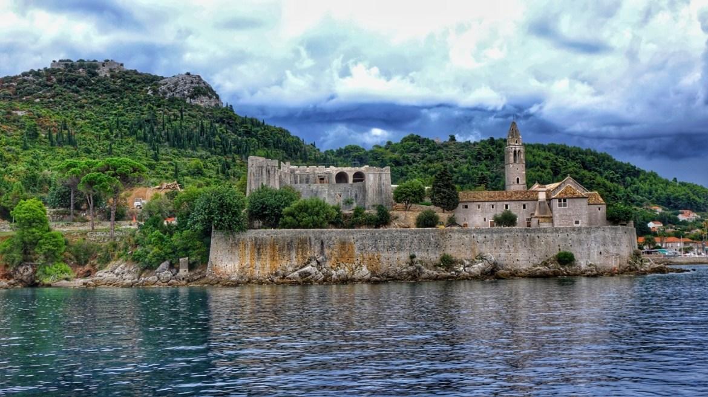 Island hopping in Croatia