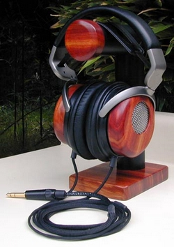 headphile 4 Headphile   high end artistic headphones