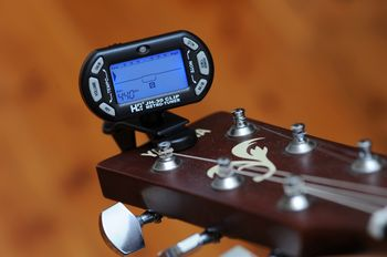 Guitar Tuner Clip – Hands on review with a 3-in-1 guitar tuner