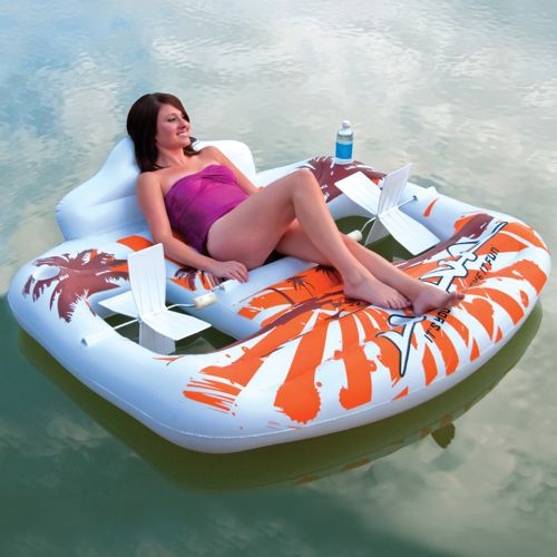 Hand Pedal Float makes getting around easier on water