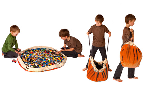 Swoop Storage Bag & Play Mat is the perfect way to hold your LEGOs