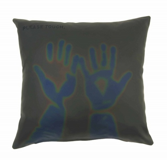 Thermosensitive Pillows liven up your bed or couch