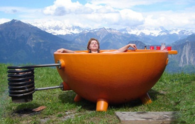 Dutchtub is a wood-powered jacuzzi