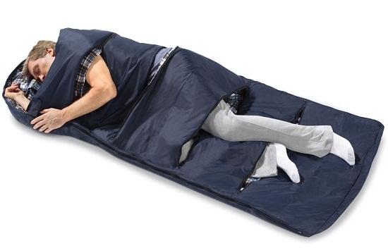 Zippered Vents Sleeping Bag makes camping more comfortable