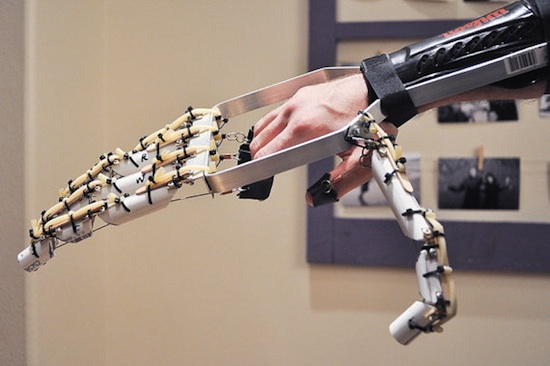 Mechanical Hand will give you a new grasp on life