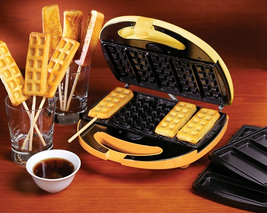2-in-1 Breakfast Treats Maker serves up mouth-watering nostalgia