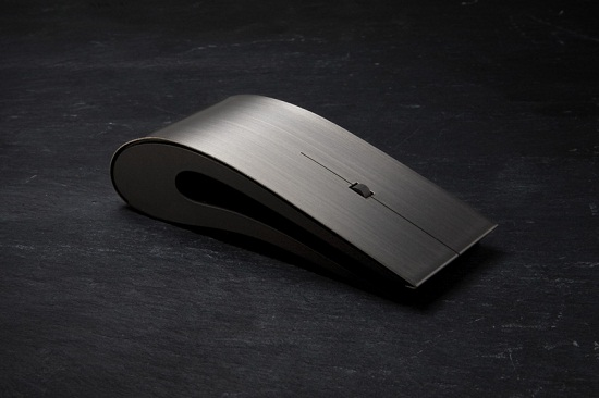 Titanium Mouse will show off your social status