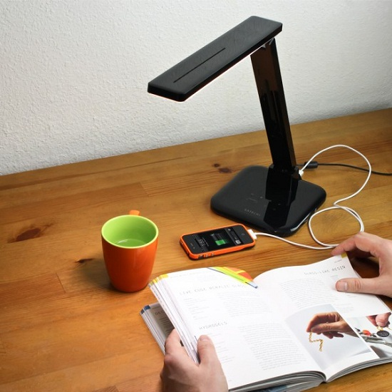 led_desk_lamp_on_desk_2_web_1