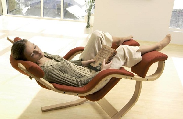 Gravity Balans Chair will make you feel like you're on Cloud 9