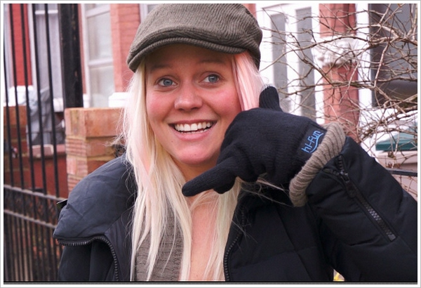 Hi-Call Bluetooth Gloves – yes you can hear people talking through your thumb [Review & Video]