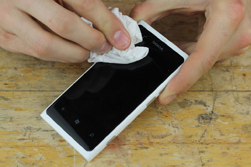 How to fix a cracked smartphone screen 2