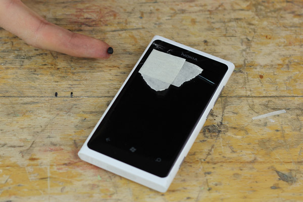 How to fix a cracked smartphone screen – because accidents