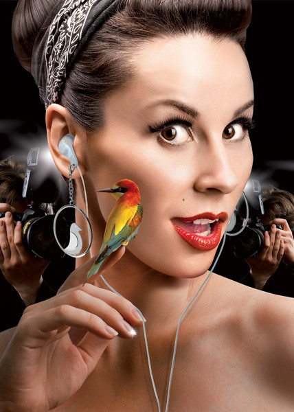 Earbud Earrings – Fashion + Technology = Catastrophe