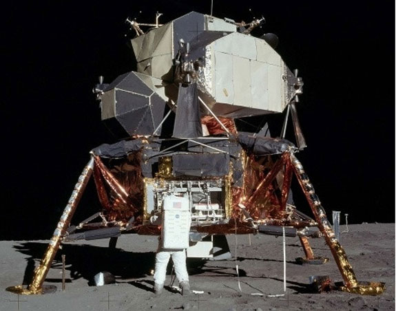 Full Scale Apollo Lunar Lander – grab your own slice of history for a price that will make your spacesuit crinkle