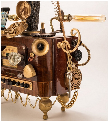 steampunkgramaphonedockforsmartphones Steampunk Gramophone Dock For Smartphones   why settle for dull grey when youve got this around?