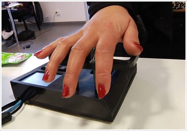 Quixter – pay with your palm coming to a store near you soon
