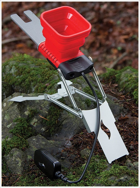 FlameStower – charge your devices out in the wild with just some fire and water