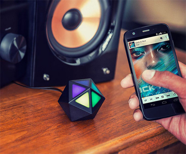 Moto Stream – turn your wired speakers into wireless ones