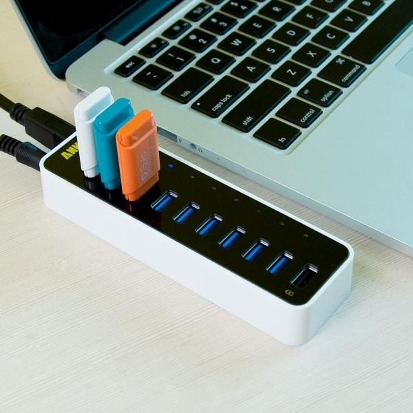Anker USB 3.0 9-Port Hub – ultra fast box will stop all that crazy USB juggling