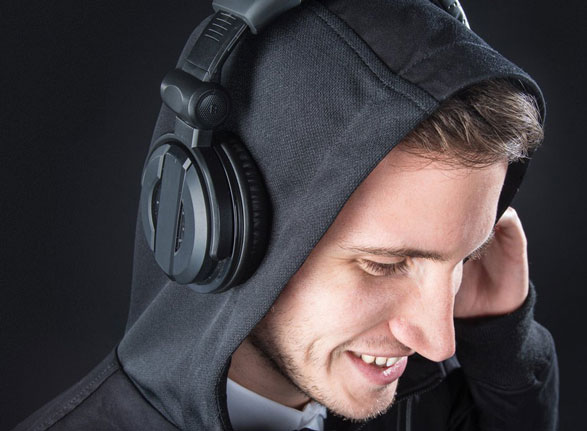 Audio Engineer's Hoodie – the perfect mix (!) of geek style and function