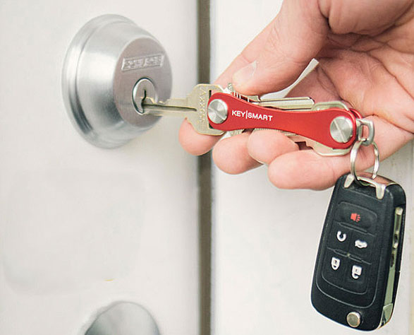 The KeySmart 2.0 – instantly fix the stabby jangly key mess in your pocket
