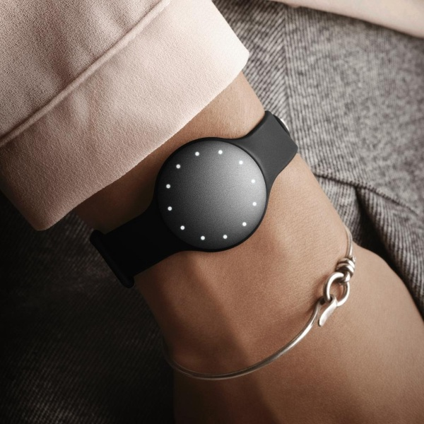 misfit Shine on wrist Misfit Shine –  its like an overly attached girlfriend of wearable fitness devices