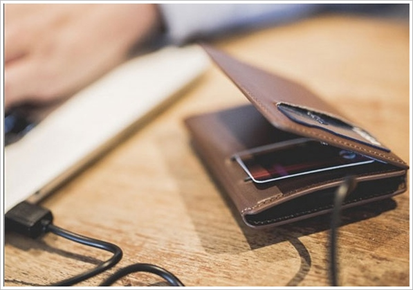 SEYVR Phone Charging Wallet – why carry around a separate charger when you can have one in your wallet instead?